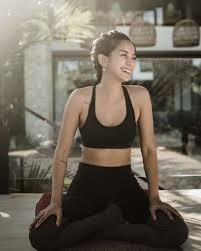 Kirana larasati dan shaheer sheikh olahraga bersama program yang menyuguhkan berita atau informasi menarik dari dunia. 10 Potret Kirana Larasati Pamer Body Goals Inspirasi Anak Muda