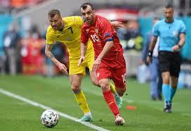 De eerste ontmoeting, een kwalificatiewedstrijd voor het europees kampioenschap voetbal 2020, werd gespeeld in skopje op 10 juni 2019. Skcejvuajrqmdm