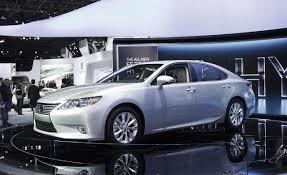 Lexus ES Reviews - Lexus ES Price, Photos, and Specs - Car and Driver