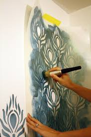 how to stencil large pea stencil in teal paint