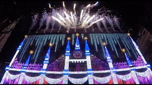 Saks Fifth Avenue Light Show 2016 Schedule Saks Fifth Avenue Holiday Light Show 2017 Debut In New York