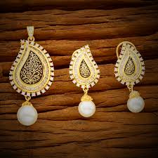 cubic zirconia and pearl handcrafted intricate design gold pendant earrings set kj138 jewellery gift