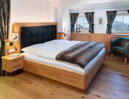 Schlafzimmer Im Landhausstil Möbeltischlerei Manfred Manzl