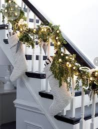 Stair Christmas garland 5 - with white socks