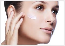 moisturize your skin use a primer to keep your makeup last