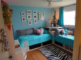 Hang Out Room Ideas One Bed Under Window One Under 2 Small Windows Maybe With Pull