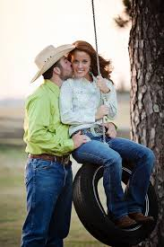 country inspired engagement shoot mazelmoments com