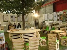 Tavoli Da Giardino In Pallet : Riciclo pallet giardino creativo per i mobili foto tempo