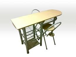 Usato tavolo penisola di legno e ferro e sgabelli in 00172 roma su
