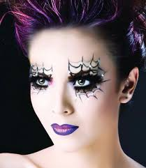 here are some really cool spiderweb eyeshadow that would be awesome to try it d probably work really well with a witch costume