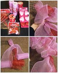 deco mesh valentine wreath 1