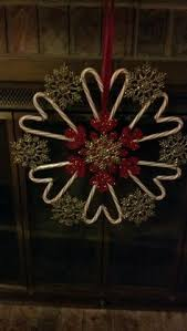 Candy Cane Wreath Made With A Wire Hanger And One Roll Of 5 12 Candy Cane Wreath Christmas Craft