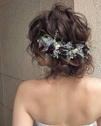 プレ花嫁さんのためのカラードレスにあわせる髪型カタログ Sucle