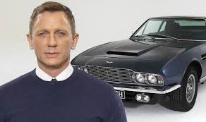 James Bond 25 Daniel Craig Spotted Filming In Classic Aston Martin V8 In London Express Co Uk