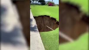 Terremoto nei Caraibi, alle isole Cayman si aprono enormi buche nel terreno