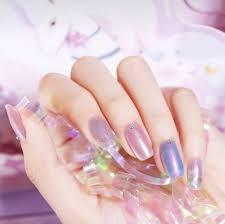 夢幻的指尖銀河獨角獸霓光指甲油挑選小技巧原來這樣配色最顯白