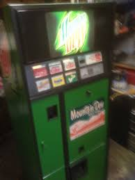 Vintage Mountain Dew Vending Machine Mesmerizing VINTAGE MOUNTAINDEW PEPSI Vendo48s48s Mancave VENDING MACHINE