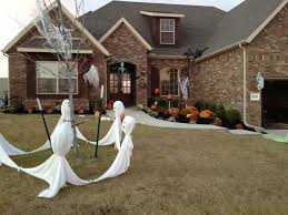 Outdoor Decorating For Fall Exterior How To Make Your Own Outdoor Halloween Decorations