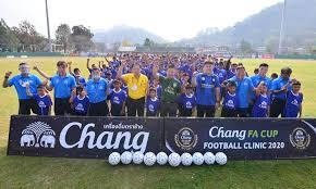 ช้าง เอฟเอ คัพ 2020 เปิดฟรีคลินิกฟุตบอลแห่งที่ 3 ที่จ.กาญจนบุรี เยาวชนเข้าร่วม 150 คน Kczizvpvrtvfmm