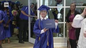 College Year 11 Year Old Gets His College Degree