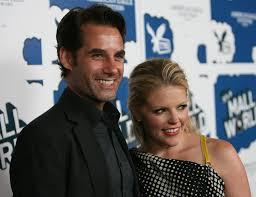 Why Did Natalie Maines From The Dixie Chicks and Actor Adrian Pasdar  Divorce?
