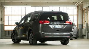 2017 Chrysler Pacifica Vs. 2018 Honda Odyssey ...