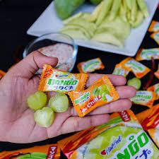 Kẹo xoài muối ớt và loạt đồ ăn vặt từ Thái Lan được giới trẻ yêu thích