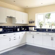 beautiful white kitchen cabinets: image of trend of beautiful white kitchen cabinets