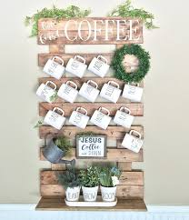 pallet style rack with lots of mugs
