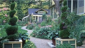 5 tips for designing a cottage garden