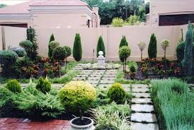 small urban garden design ideas and pictures 8