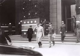 「1945, GHQ started its wor in daiichi seimei building」の画像検索結果