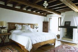 master bedroom decor. Master Bedroom Decor With Natural Light And Wooden Furnitures