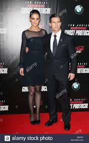 After tom cruise's divorce from nicole kidman, scientology went all out to find its superstar a suitable mate. Katie Holmes Und Tom Cruise Newyork Premiere Von Mission Impossible Ghost Protocol Im Ziegfeld Theatre Ankunfte Stockfotografie Alamy