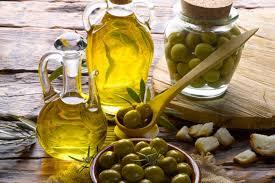 Canola Oil Vs Olive Oil Difference And Comparison Diffen