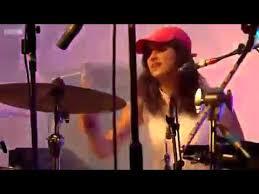 <b>Hot Chip</b> - Dancing in the Dark (Live at Glastonbury <b>2015</b>) - YouTube