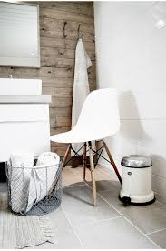 bathroom chair. how to decorate a small bathroom with white chair (4)