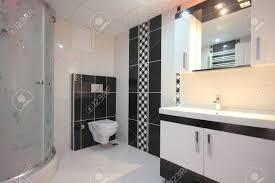 Schwarz Weiß Badezimmer Lizenzfreie Fotos Bilder Und Stock