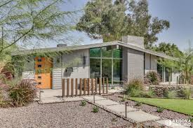 Luxury living: Mid-century modern architecture