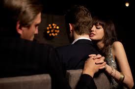 Terungkap Mengapa Selingkuh Itu Menjadi Kebiasaan Seseorang Saat Berhubungan Jarak Jauh