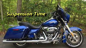 Harley Davidson Air Suspension Chart How To Adjust The Suspension On A 2017 Harley Davidson Milwaukee Eight 107 Street Glide Special