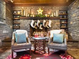Amazing christmas fireplace mantel decoration ideas Merry 28 Designer Holiday Mantels To Recreate At Home Hgtvcom 28 Christmas Mantel Decorating Ideas Hgtv