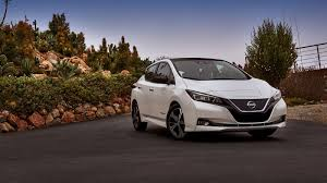 2018 Nissan Leaf is the star of new Japanese car-sharing service ...