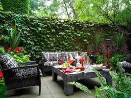 amazing courtyard backyard ideas outdoor sofa in courtyard 2012 felmiatika home design amazing home design gallery