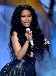nikki minaj mermaid wavy hair bet awards