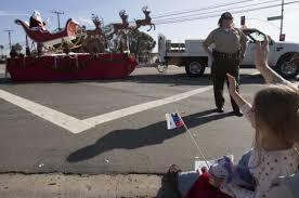 Camarillo residents come out for Christmas parade