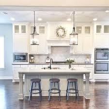 Want to know how to recreate this clean, white kitchen? www.recreatearoom.