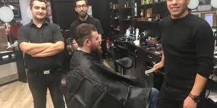 Sopping Cher Monsieur Nouveau Salon De Coiffure Cheveux Et
