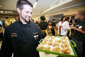au bon pain at the blue granite cafe opens at wilmington hospital au bon pain kitchen manager brian downs tempts hospital staff a platter of pastries at