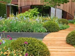 13 gorgeous ideas for garden paths